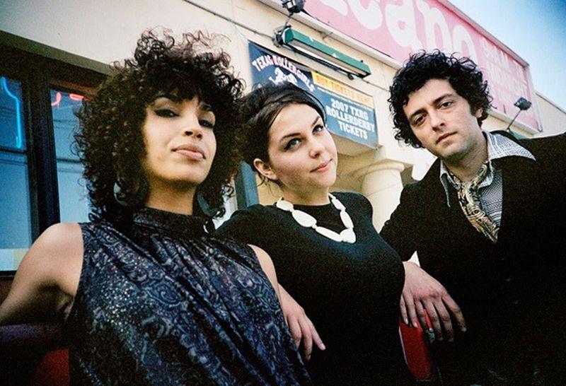 Ettes Band Image 2